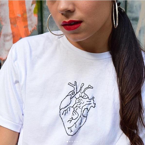 Сердечная футболка