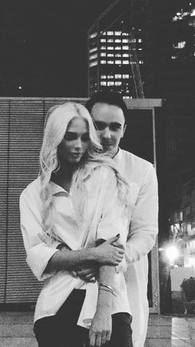 Фанаты волнуются за Анну Седокову, подстригшую челку на пол лица: Она же ничего не видит