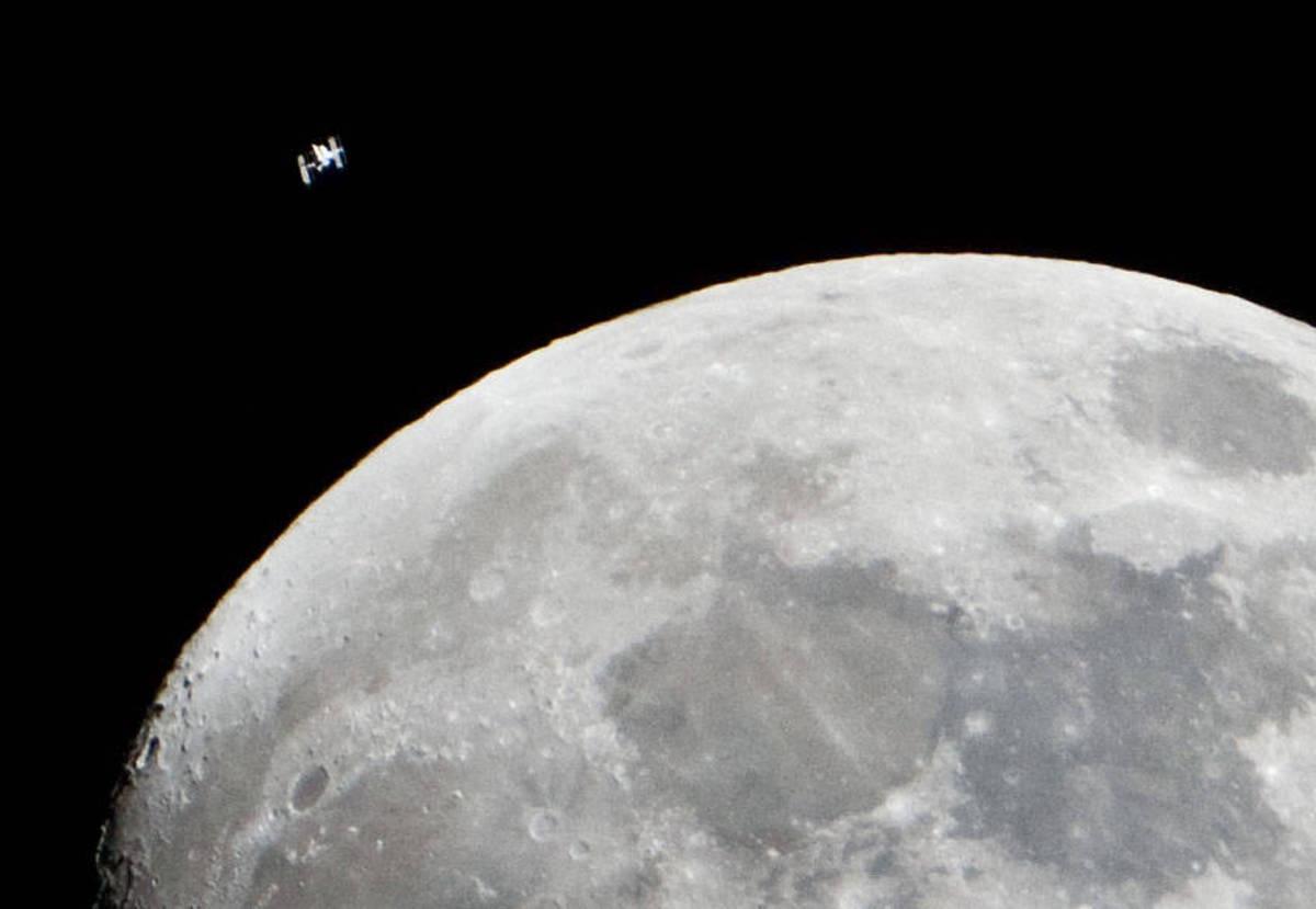 Китай провел первый в истории биологический эксперимент на Луне