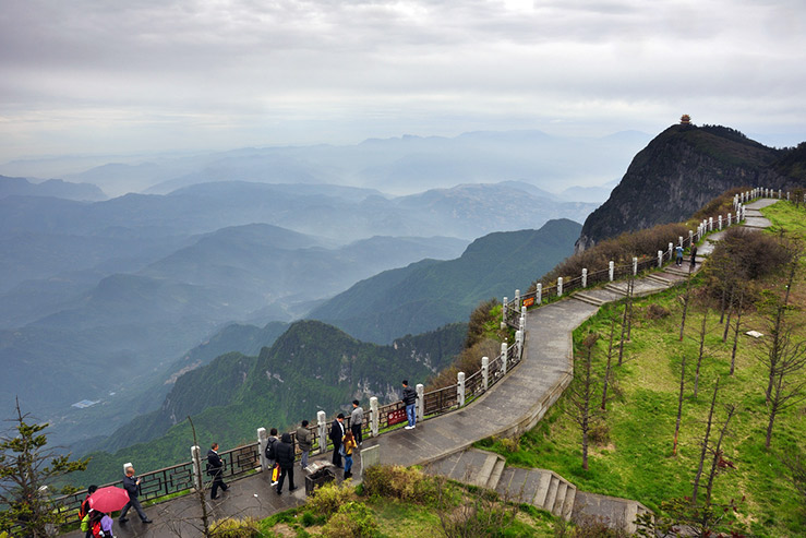Эмей-Шань (Эмейшань, Mount Emei)