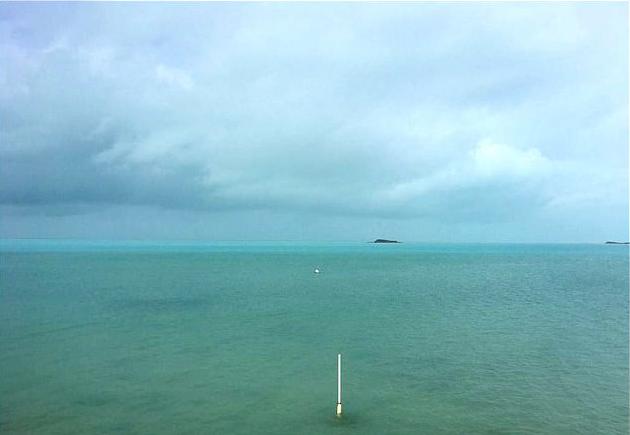 На Багамах исчез океан!!! Невероятной мощности ураган Ирма в прямом смысле осушил океан… Смотрим! (фото, видео)