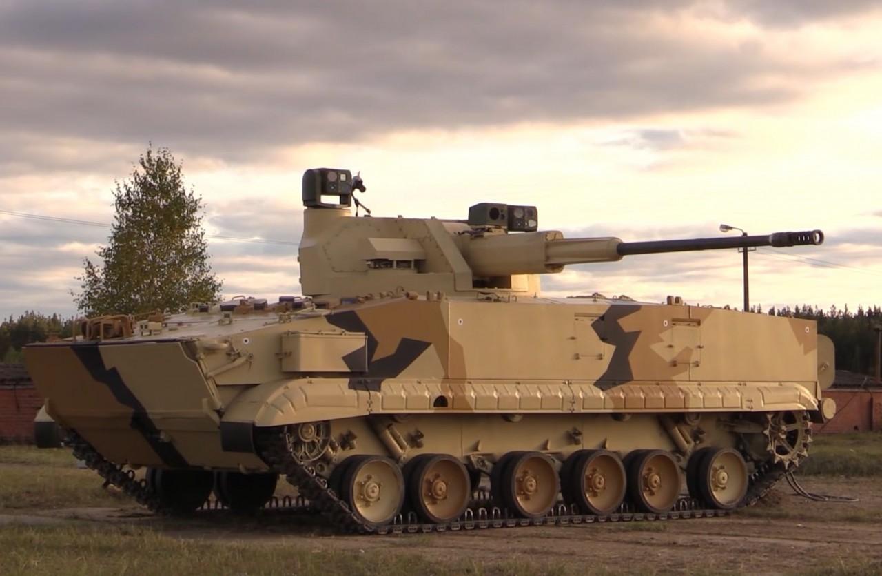 Роботизированная боевая машина БМП-3 с боевым модулем АУ-220М с 57-мм пушкой