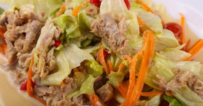 Как приготовить салат с корейской морковкой и яичными блинчиками