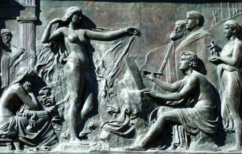 http://www.mlahanas.de/Greeks/Bios/images/PhrynePraxiteles.jpg