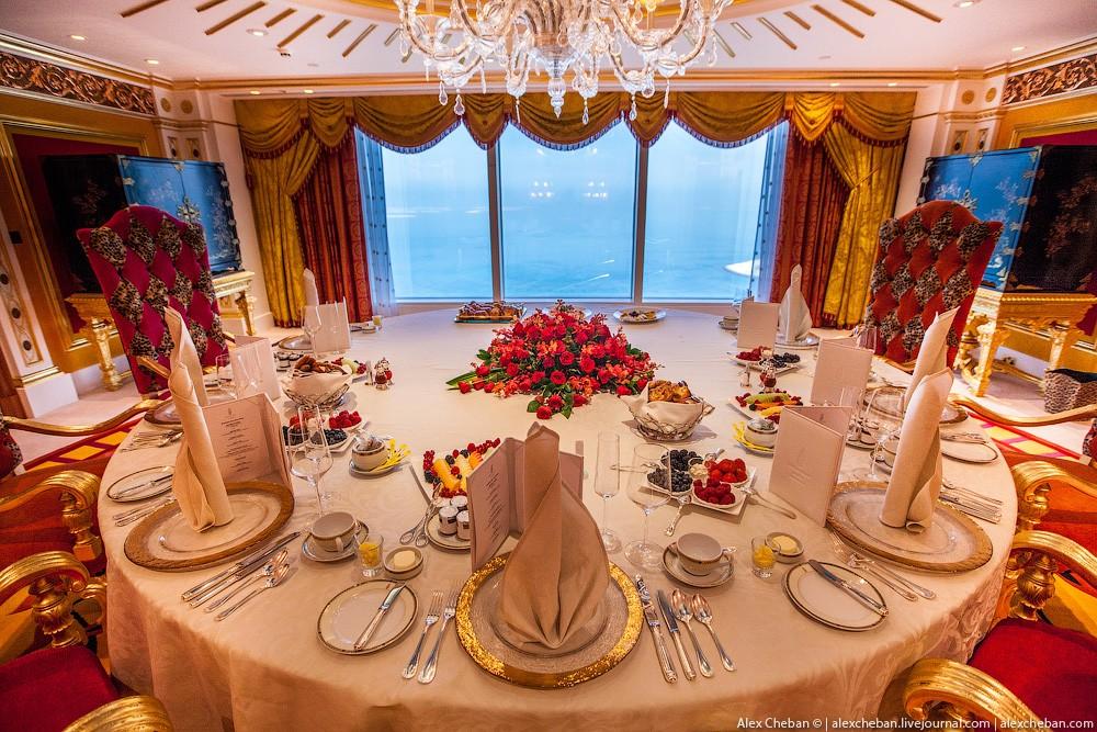 BurjAlArab42 Золото для шейхов и олигархов: самый дорогой номер в семизвездочном отеле Burj Al Arab