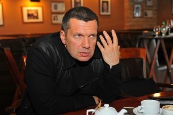 Владимир Соловьев заподозрил в сумасшествии назвавшего его «кисонькой» Доренко