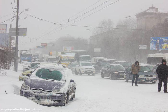 Киев: снежный апокалипсис пришел нежданно-негаданно