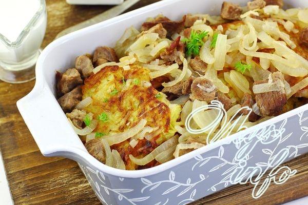 Запеченные картофельные драники с мясом