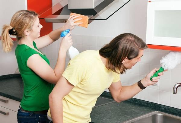 Как и чем можно отмыть кухонный фартук от жира?