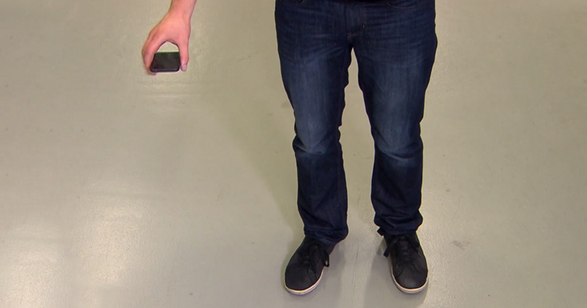 "Genius Student Invented A ""Mobile Airbag"" That Deploys When You Drop Your Phone, And The Video Will Impress You"