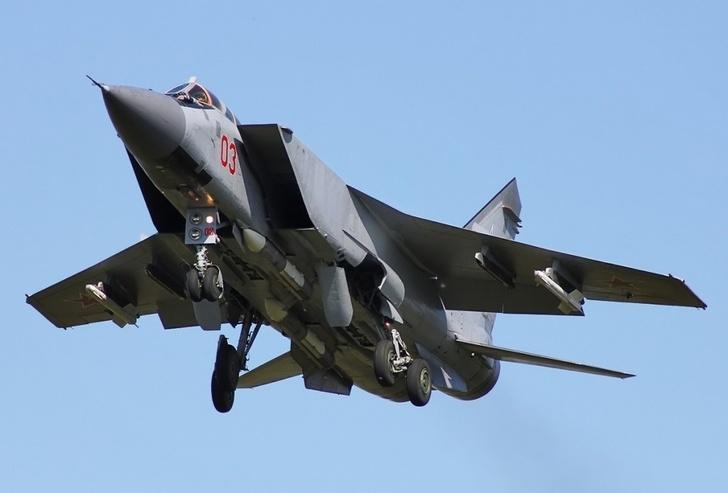 На вооружение летчиков ЦВО поступили модернизированные истребители-перехватчики МиГ-31БМ