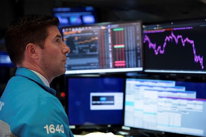 После заявлений Трампа и главы ФРС рухнули ключевые индексы США