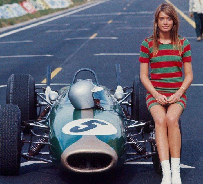 Франсуаза Арди верхом на болиде Формулы 1. 1966 год. история, люди, мир, фото