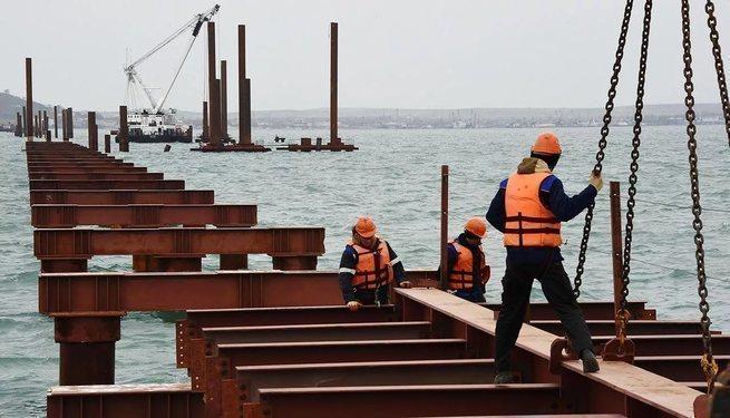 """Украина : """"Обломки Керченского моста будем убирать всей Европой"""""""