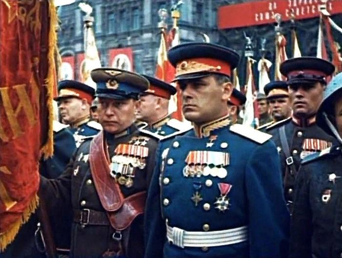 Для кого в России - СССР враг