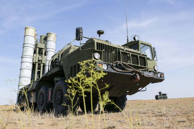 CNBC сообщил о готовности 13 стран купить у России С-400