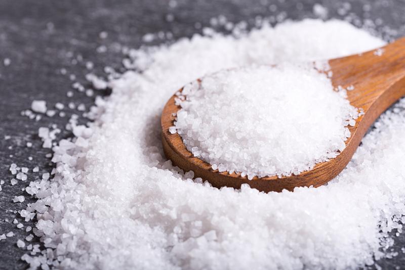 Исследование: избыток соли в рационе вызывает старческое слабоумие