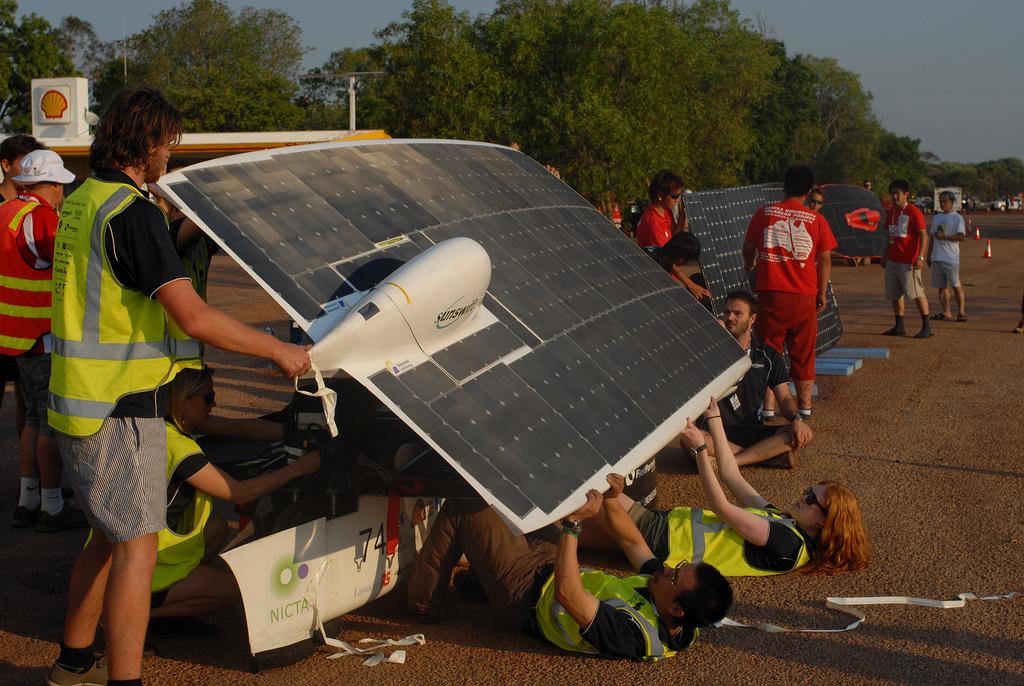 1515 Автомобили на солнечной тяге
