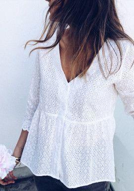 белая блузка в офис из шитья кружева