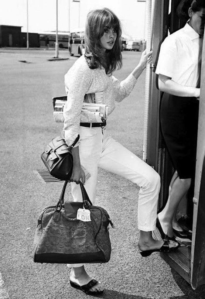 Тренд: одежда из белого денима