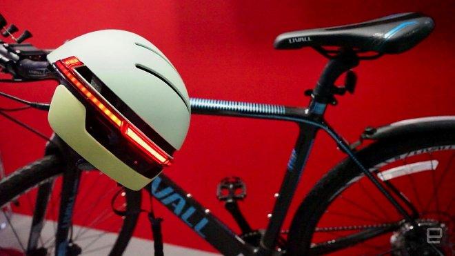 В этом умном велошлеме вы будете похожи на Робокопа