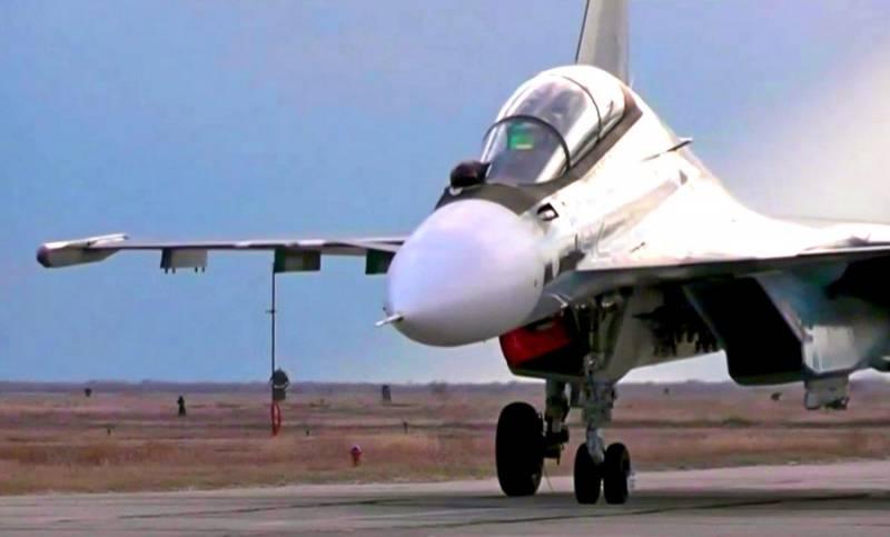 Масштабные учения истребителей Су-30СМ в Крыму: незабываемые кадры