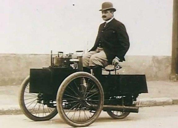 В этот день, 28 января 1896 года, был выписан первый штраф за превышение скорости