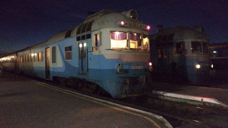 «Придется скакать по шпалам»: в Сети отреагировали на новость о проблемах с украинскими электричками