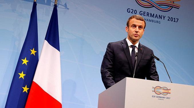 Очередной скандал вокруг Макрона - президента Франции обвинили в расизме
