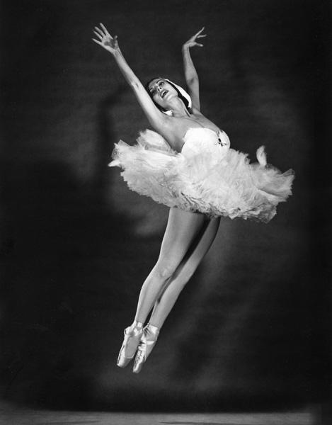 Tamara Toumanova By Philippe Halsman, C. 1953 (469x600, 54Kb)