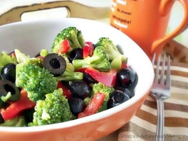 5 очень полезных и низкокалорийных салатов с брокколи