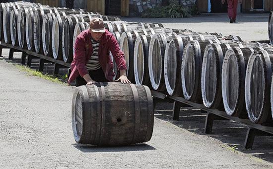 Россия может потерять 80% импортного вина из-за мер Минфина