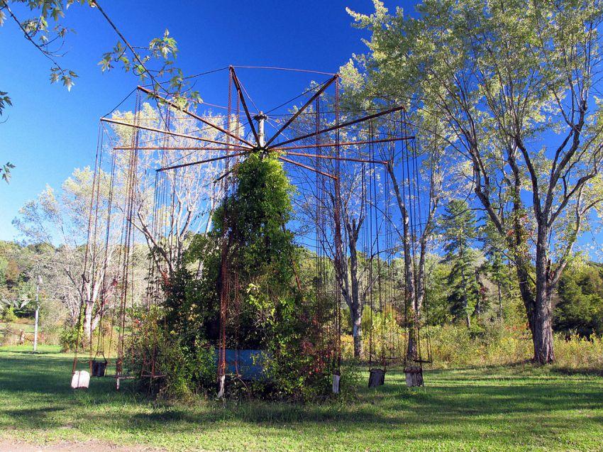 Проклятый парк аттракционов аттракционы, карусели, озеро Шони, парк, проклятый парк