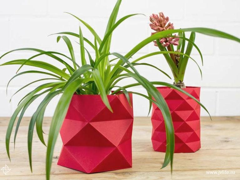 Декор вазы для цветов в стиле оригами