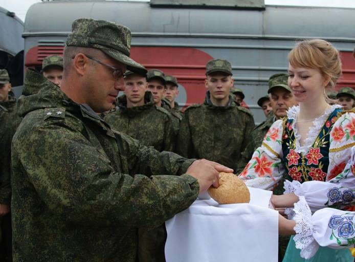 В Беларусь для участия в учении прибыли российские связисты