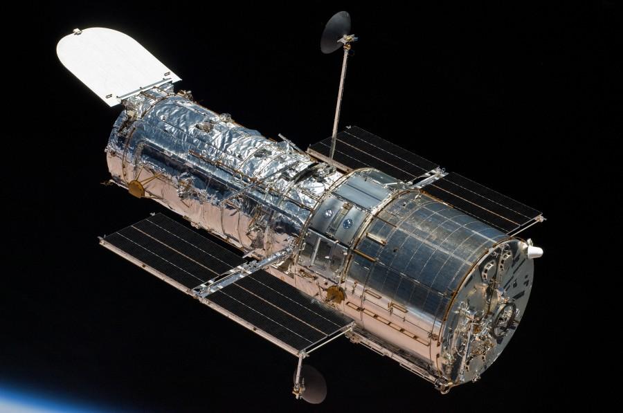 Телескоп «Хаббл» переведен в безопасный режим