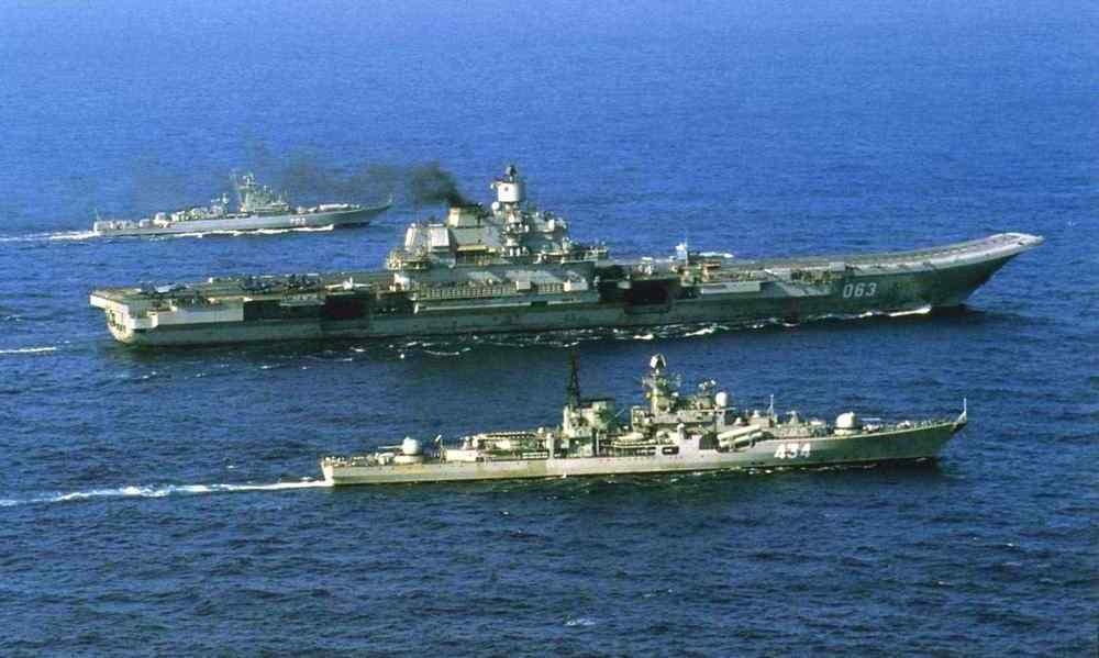 Вытеснить НАТО из Арктики: чем вооружат сильнейшие корабли Северного флота