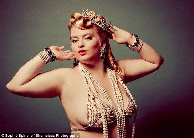 «Бесстыжие фотографии»: обычные женщины в восхитительных пинап образах