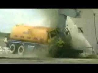 Краш тест на высокой скорости грузовика, грузовые автомобили