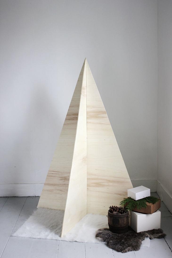 Идеи новогодних эко-елок из фанеры