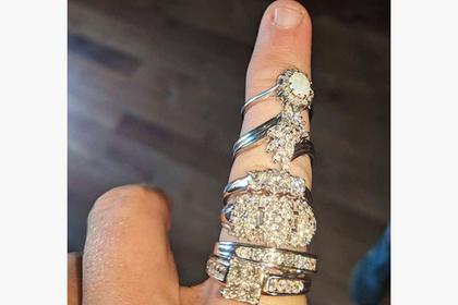 В настольной игре нашли тайник с бриллиантами на тысячи долларов