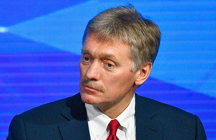 «Это личный подход, личное мировоззрение»: Песков — о статье Суркова «Долгое государство Путина»