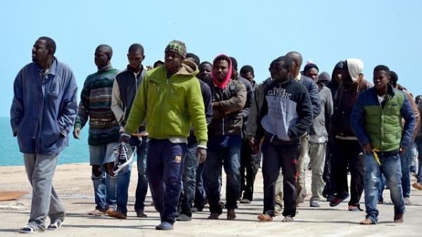 Задва года Латвия приняла 65% отустановленного числа беженцев