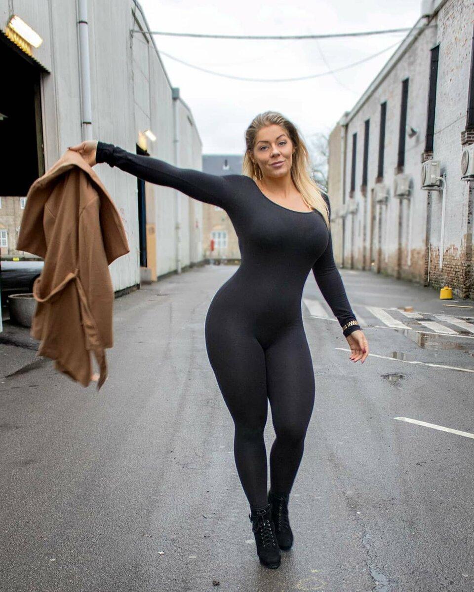 Миа Сэнд – не худышка, но ее фигура выглядит превосходно (https://krot.info)