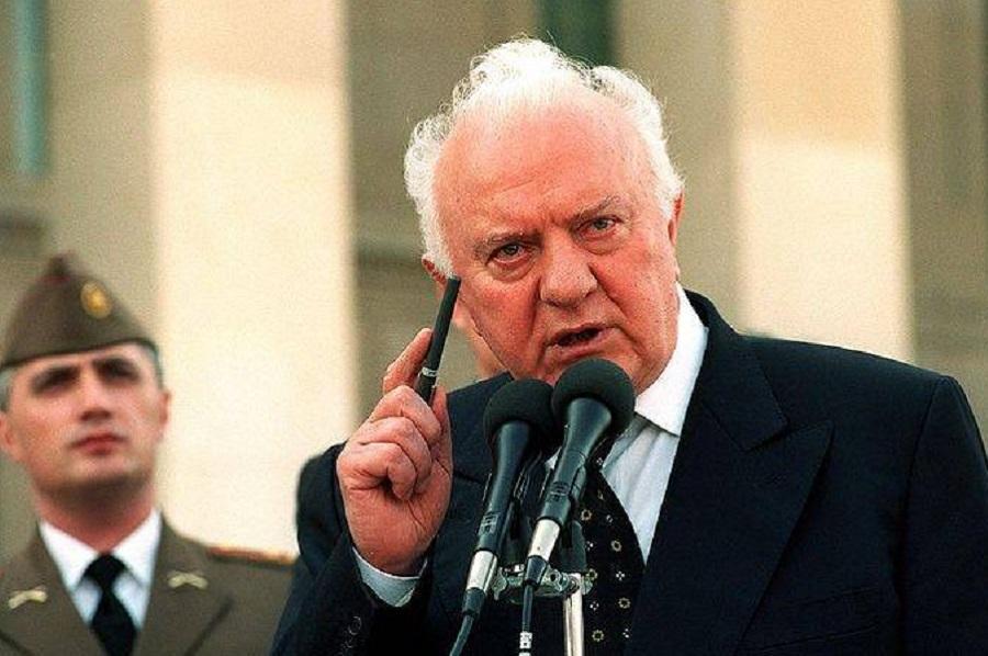 Экс-глава МИД СССР Шеварнадзе сливал инфу о советской армии моджахедам