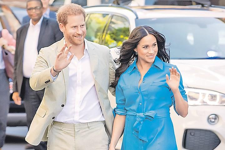 Такие-сякие, сбежали из дворца! Любимый внук английской королевы  Принц Гарри и Меган Маркл отказались от титула