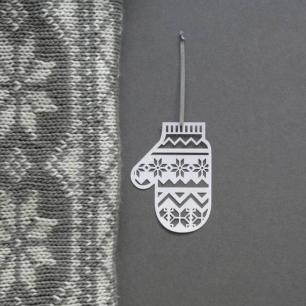 Варежки из бумаги для декора. Идея!