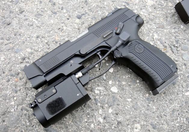 Офицеры ЦВО перевооружаются на пистолеты Ярыгина