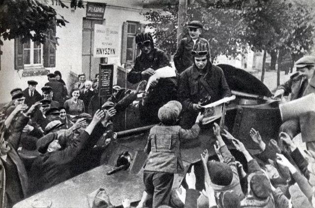Как спасли Западную Украину …