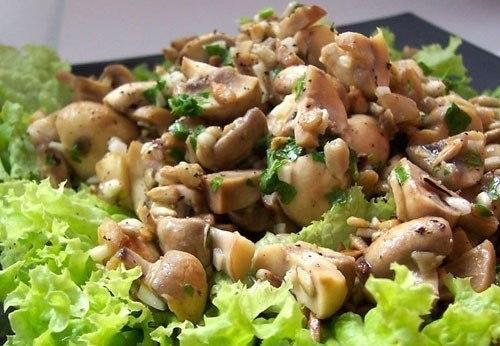 Прекрасный салат «Боярский» — можно даже тем, кто на диете!
